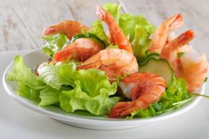 salat-s-avokado-i krevetkami0