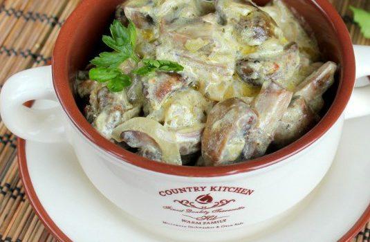 Жаркое в горшочках с мясом и картошкой в духовке: рецепт с ...