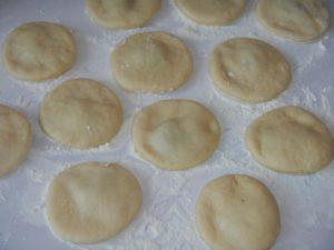 Пончики на сухих дрожжах рецепт с начинкой