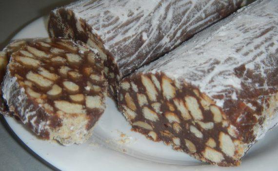 Домашняя шоколадная колбаса из печенья со сгущенкой и орехами, без яиц