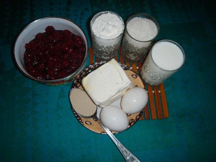 рецепт пирожков с вишней в духовке с сухими
