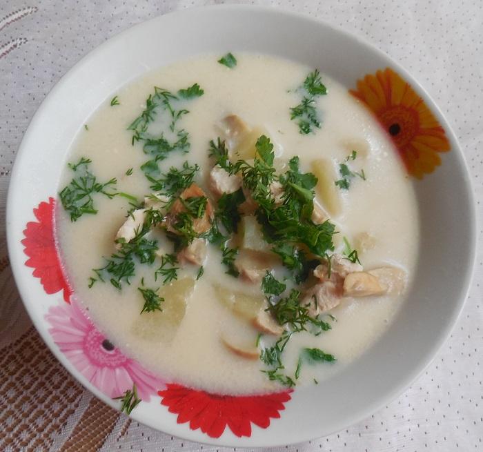 сырный суп из плавленного сыра с грибами и курицей