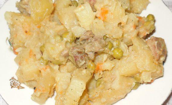 Овощное рагу в мультиварке, с мясом и картошкой