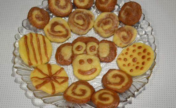 Веселое двухцветное детское фигурное печенье