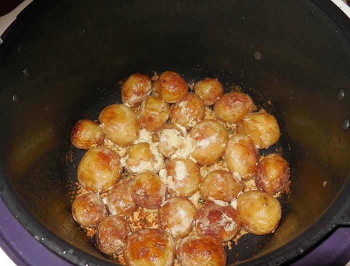 Сметанный соус для молодого картофеля