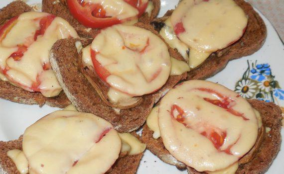 Вкусные горячие бутерброды с грибами шампиньонами
