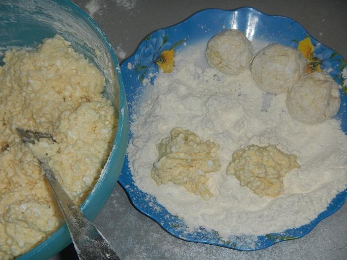 Творожные пончики жареные в масле на сковороде