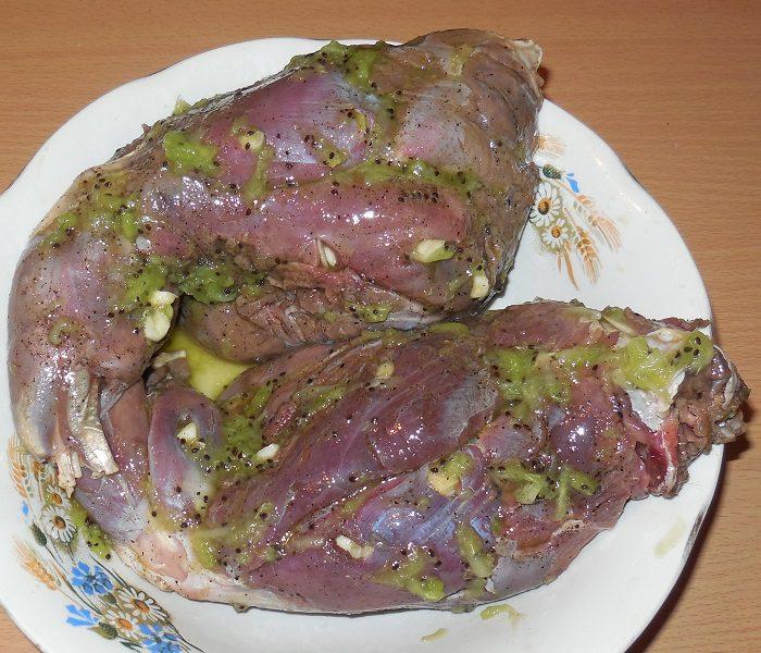 запекаем кролика в духовке рецепты