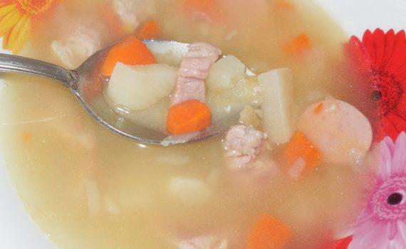 Гороховый суп в мультиварке с мясом