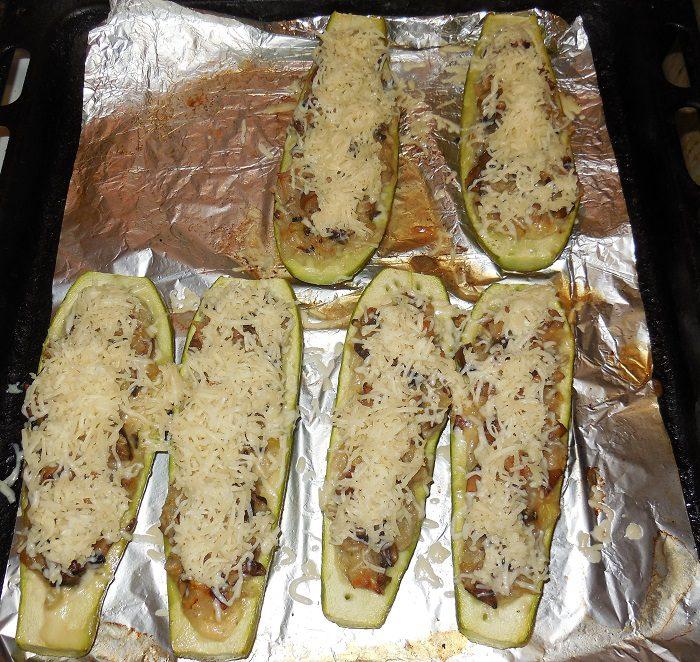 Запечь кабачок с фаршем в духовке рецепт пошаговый целиком