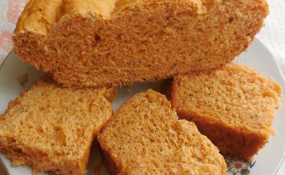Домашний итальянский хлеб с томатом