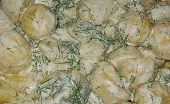 Вкусная молодая картошка в сметане с укропом и чесноком