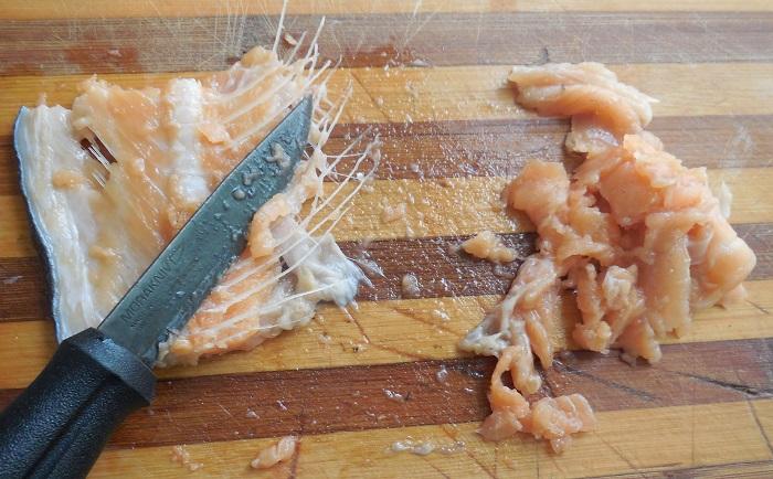 Как засолить хребты красной рыбы с жидким дымом - вкусный рецепт посола хребтов красной рыбы, с фото