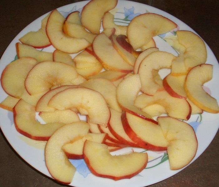 Пирожное Роза из слоеного теста и яблок