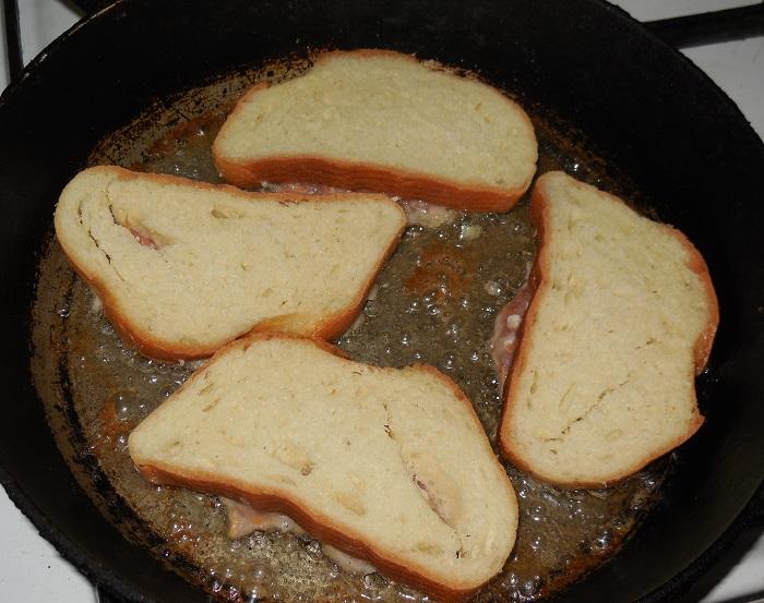 бутерброд на сковороде фото данный момент это