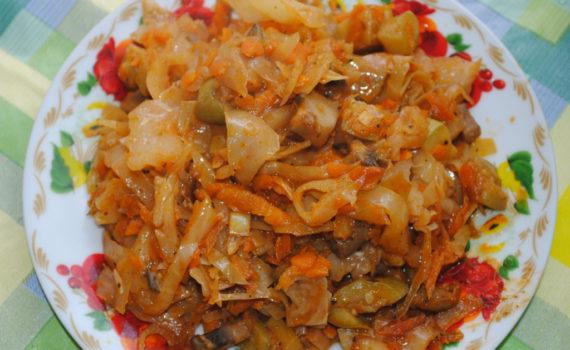 капуста с грибами в томате