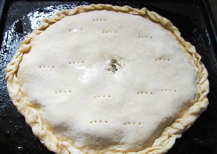 Закрытый пирог с судаком в духовке