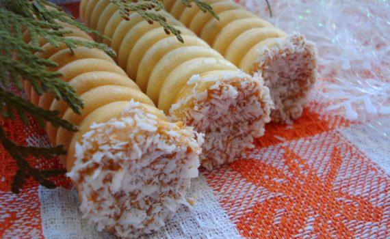 Вафельные трубочки со сгущенкой и орехами