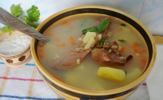суп с пшеном и картошкой из гусиных потрохов