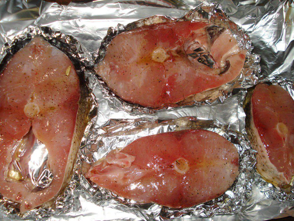 Толстолобик запеченный в фольге с картофелем, рецепт 42