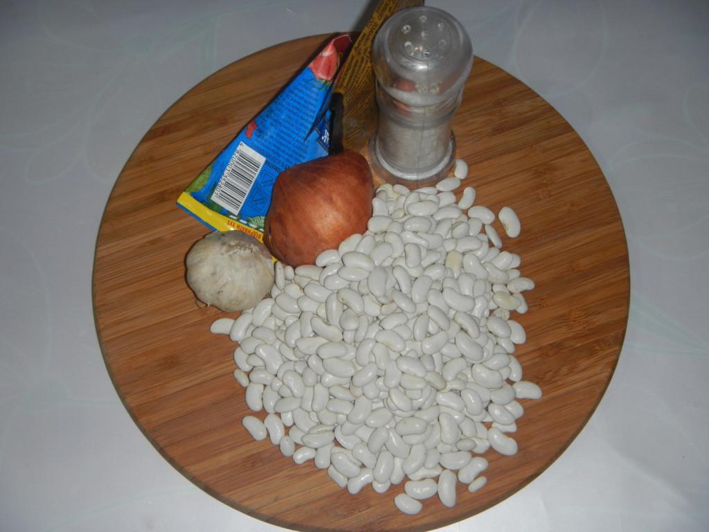 Лобио или тушеная фасоль в томате