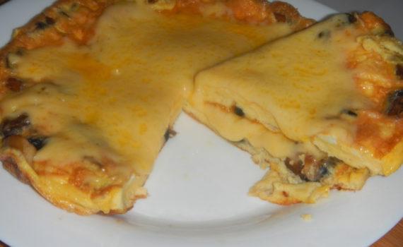 Омлет на сметане с грибами и сыром