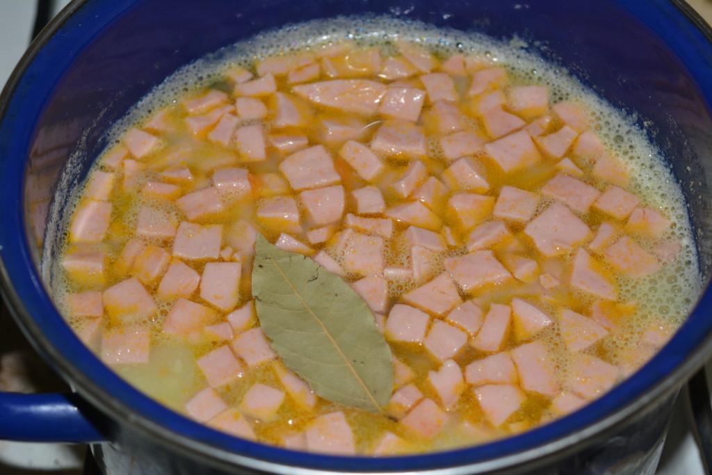 Картофельный суп-пюре с колбасой