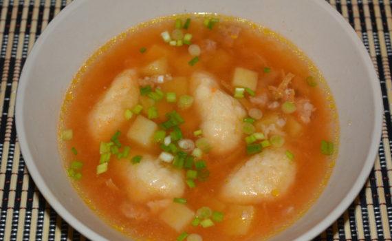 Мясной суп с фаршем и клецками