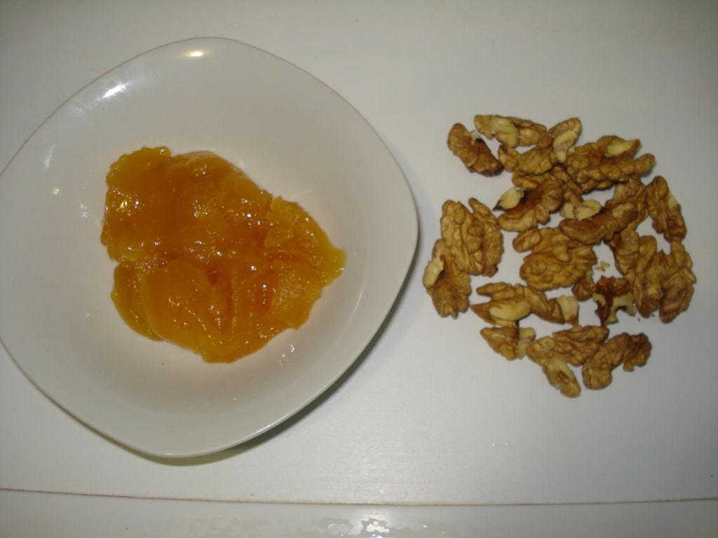 Тыквенный пирог с орехами и медом