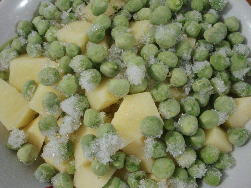 Постный гороховый суп с зеленым горошком