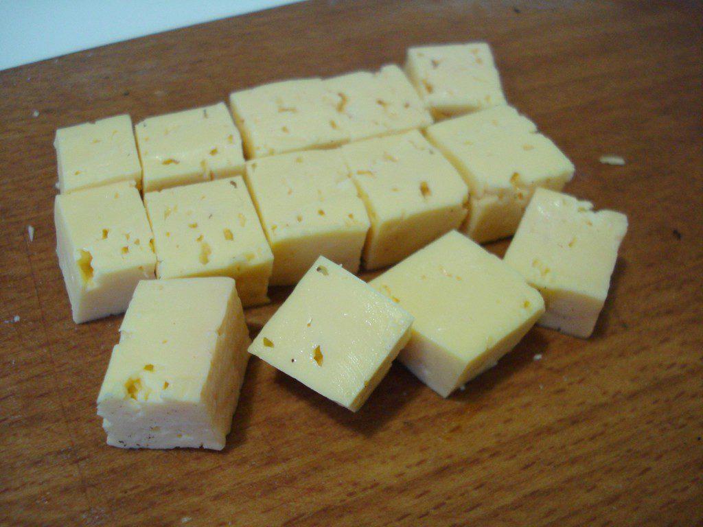 Куриные котлеты с тыквой и сыром в мультиварке