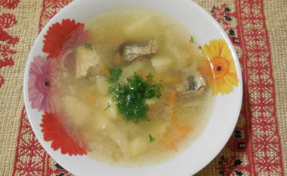 Суп из рыбной консервы с рисом в мультиварке