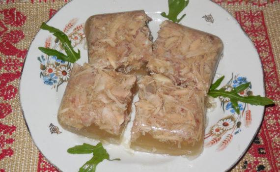 Холодец из курицы и свинины в мультиварке-скороварке