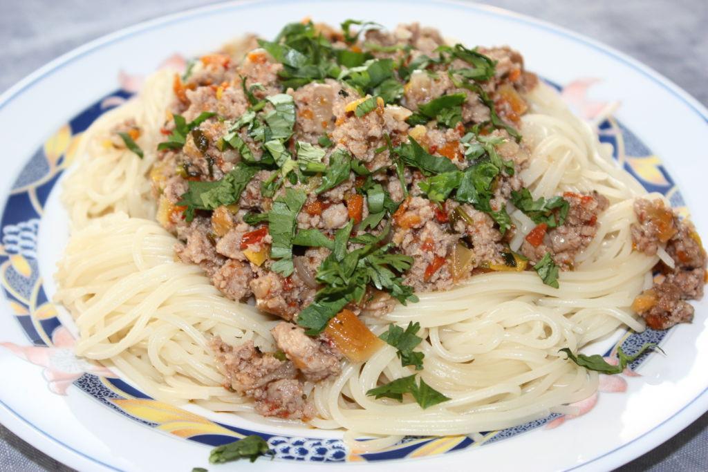 Готовые спагетти болоньезе