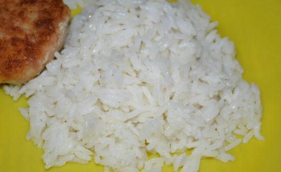 Длиннозерный рассыпчатый рис на гарнир