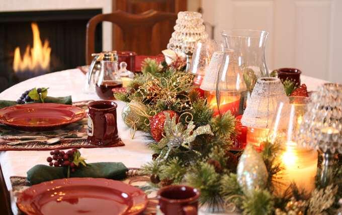 Как украсить новогодний стол в год Петуха 2017