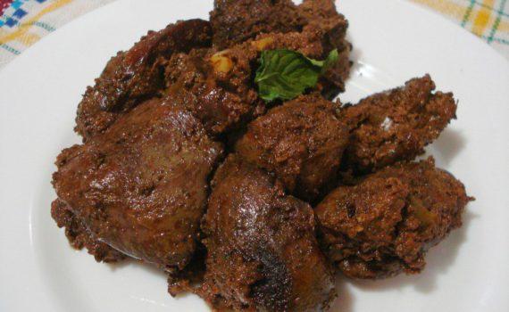 Вкусная куриная печень в сметане на сковороде