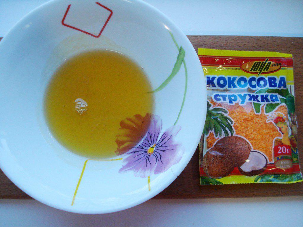 Нежные слойки с медом и кокосовой стружкой