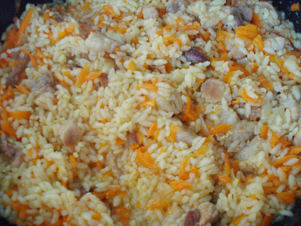 Плов со свининой на сковороде