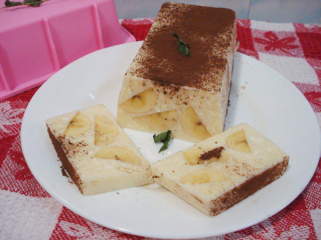 Творожный десерт с бананом и желатином