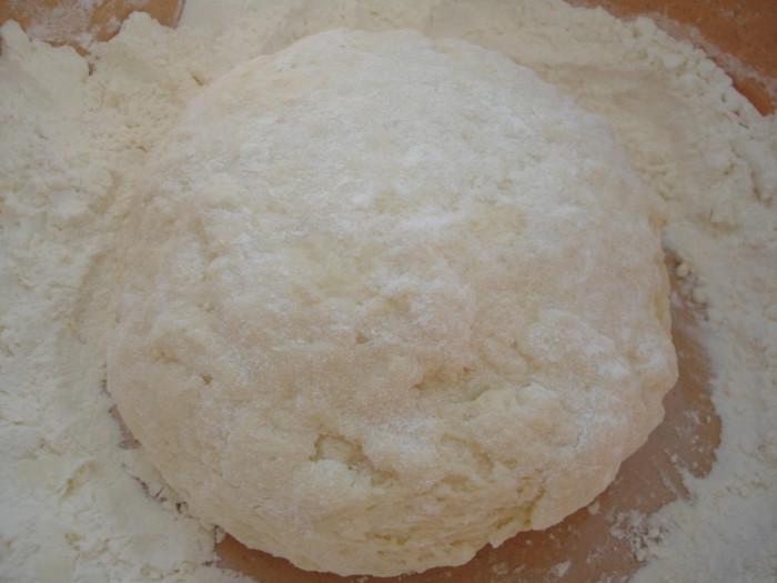Пышное тесто для вареников на кефире
