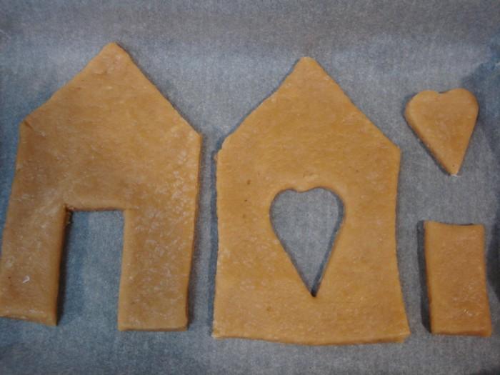Рождественский пряничный домик из медового теста