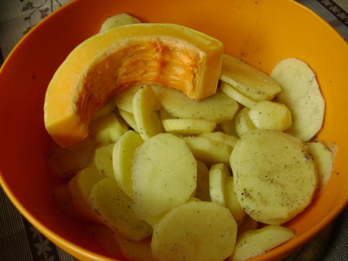картошка в духовке с перцем рецепт с фото