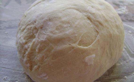 Дрожжевое тесто для жареных пирожков на молоке