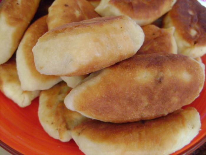 Дрожжевые пирожки с ливером жареные на сковороде