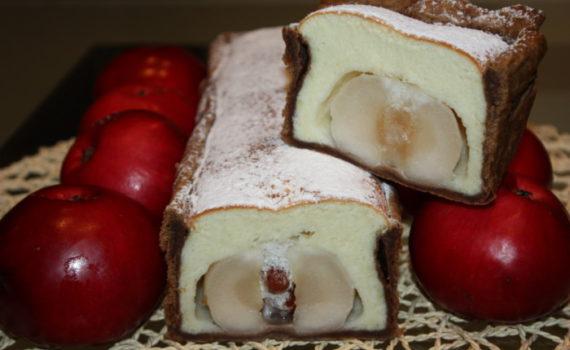 Итальянский яблочный пирог с целыми яблоками