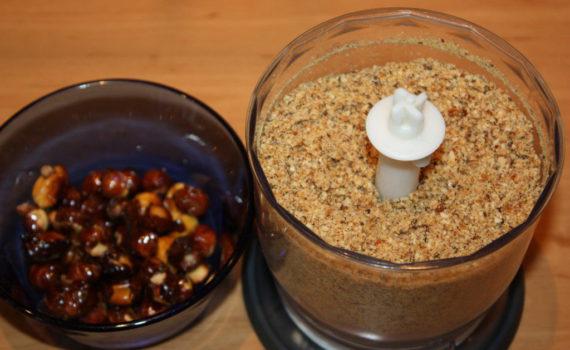 Ореховое пралине для торта и десертов