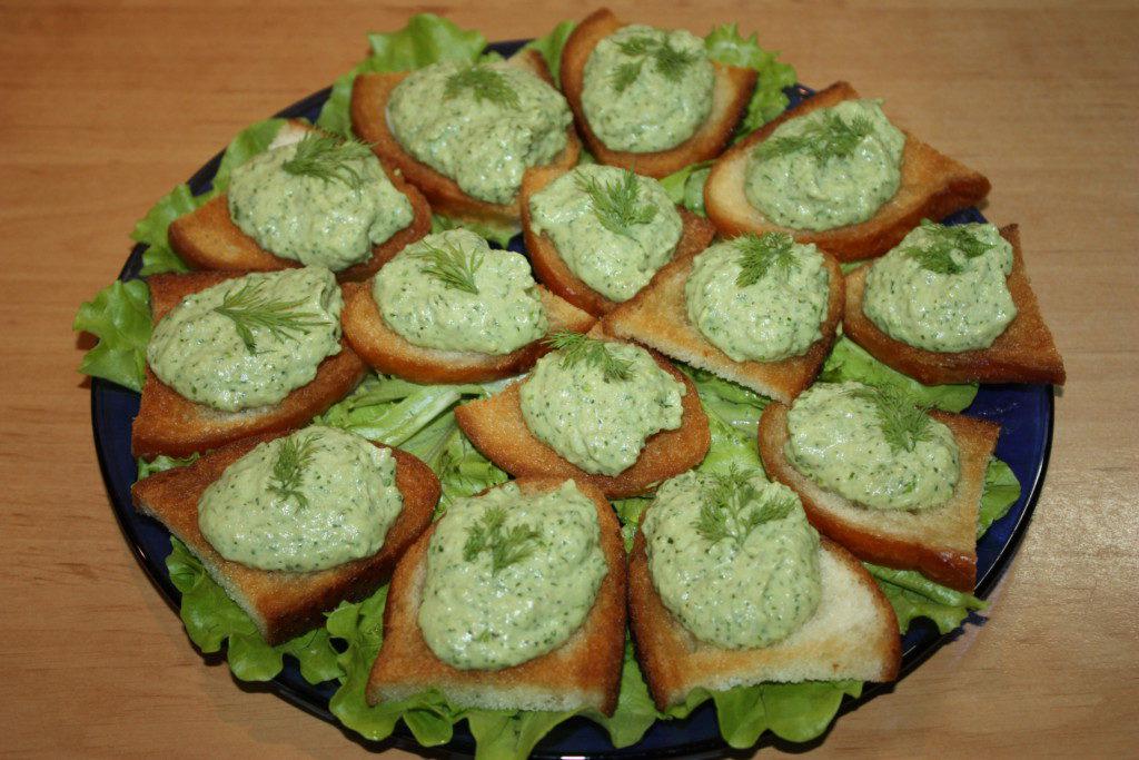 Мексиканский зеленый соус гуакамоле из авокадо