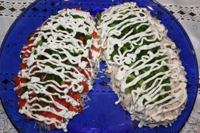 Оригинальное оформление новогодних салатов