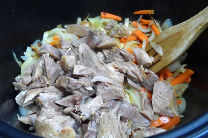 Ризотто в мультиварке с мясом и овощами